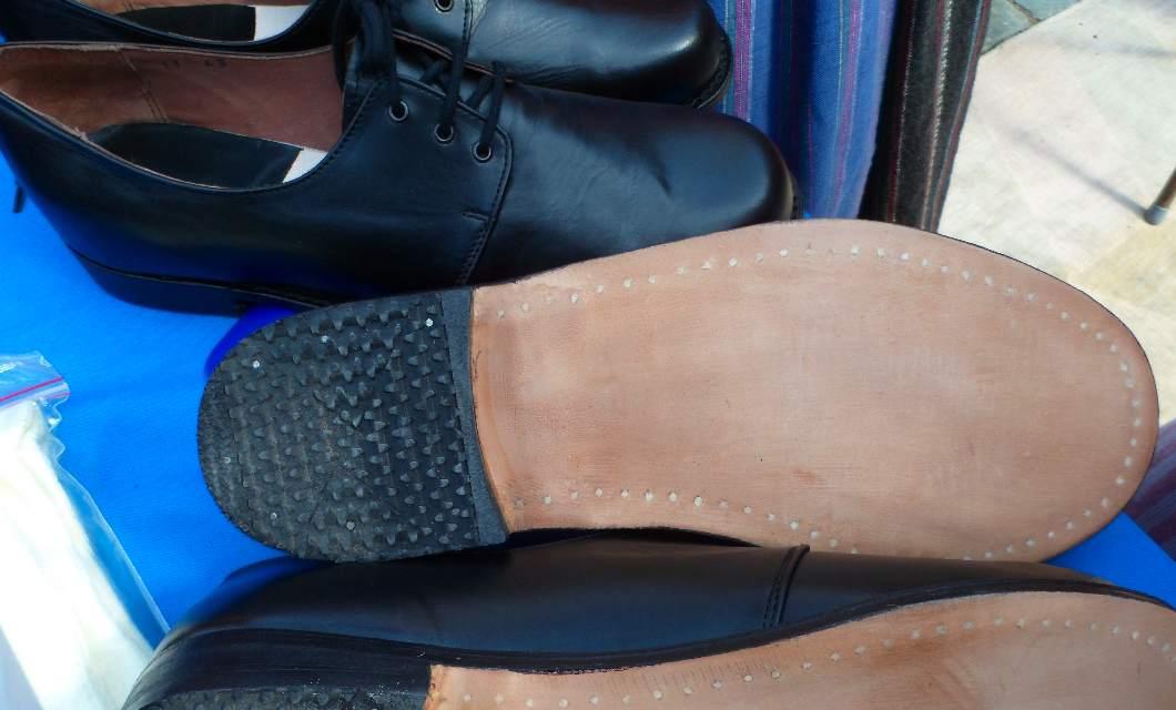 c08f5c5d3f9f Folkdansringen säljer nu folkdansskor 795:- tillverkade i Ungern,  lädersula, klack gummilikn med flertal